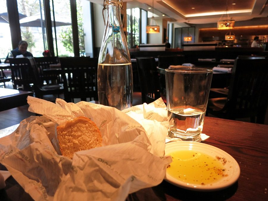 abbraccio-restaurante-italiano-vila-olimpia-pao-agua-italia