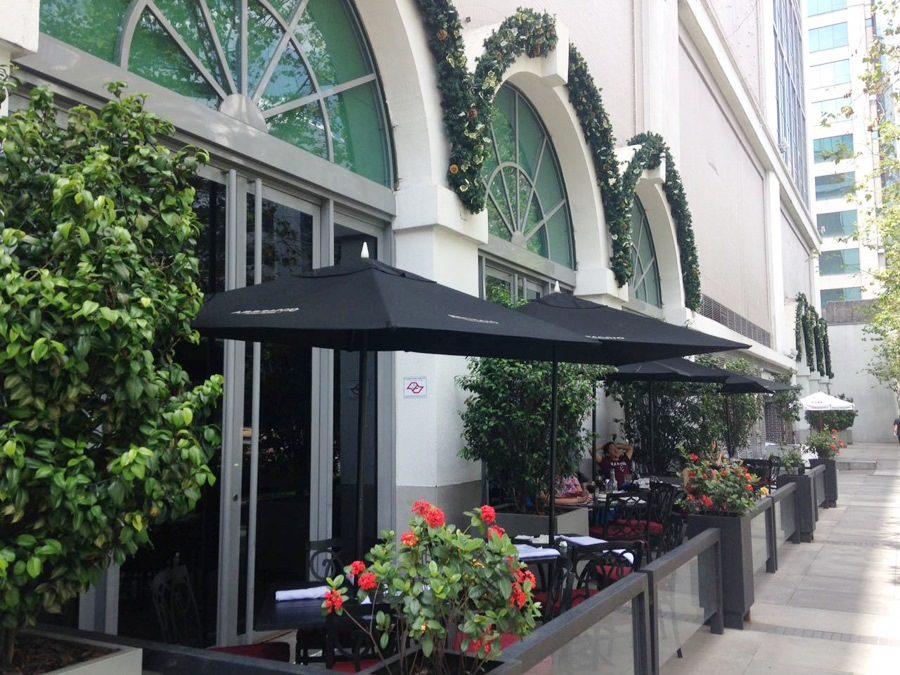abbraccio-restaurante-italiano-vila-olimpia-shopping-varanda