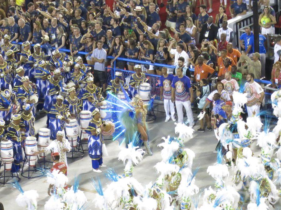 carnaval-do-rio-sambodromo-marques-de-sapucai-bateria