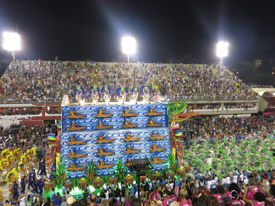 carnaval-do-rio-sambodromo-marques-de-sapucai-carros-alegóricos