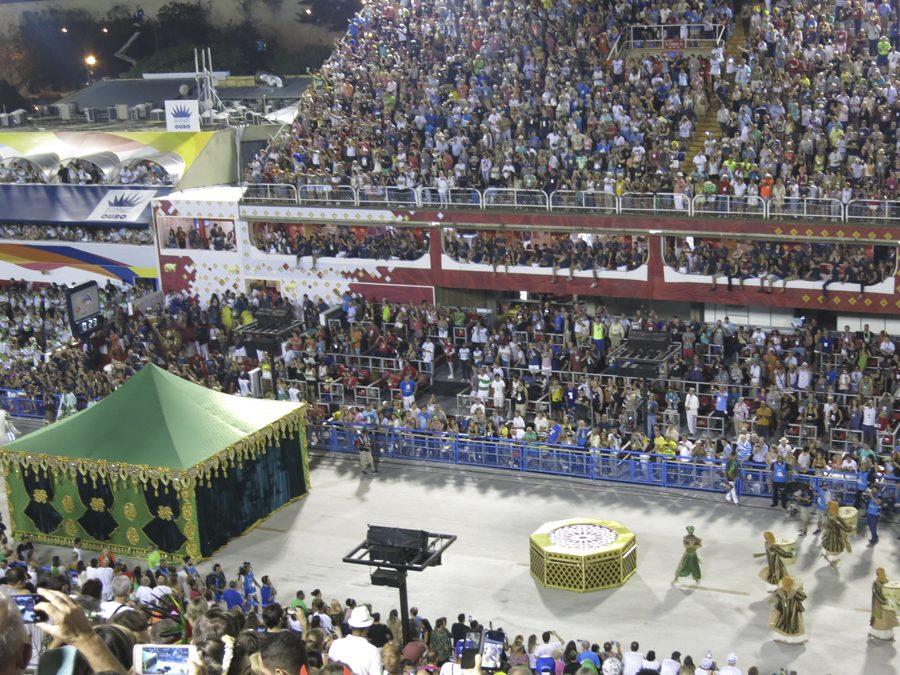 carnaval-do-rio-sambodromo-marques-de-sapucai-comissao-de-frente