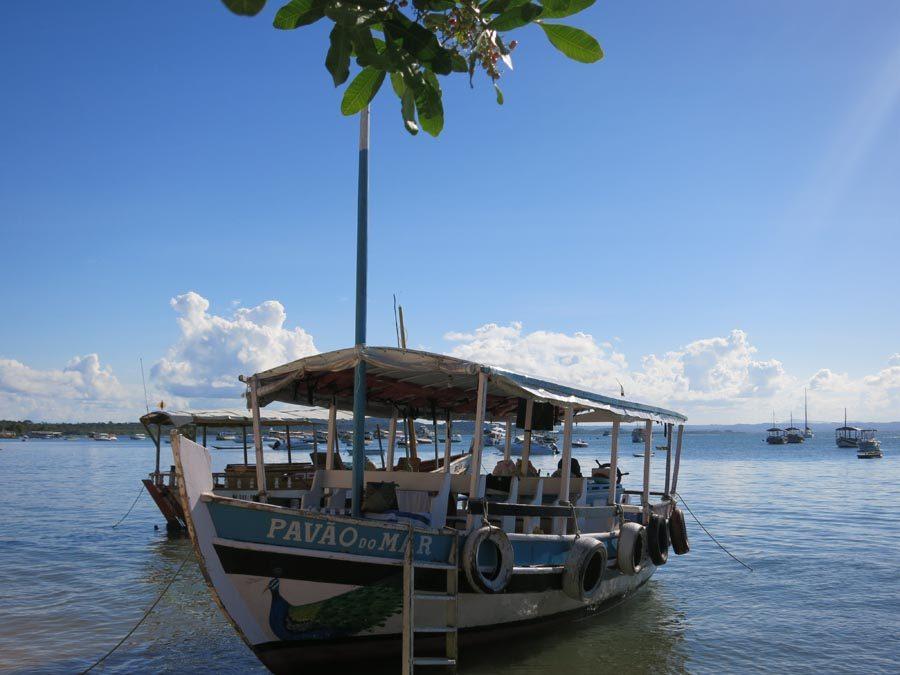 dicas-de-passeios-em-morro-de-sao-paulo-bahia-barco-pavao-do-mar
