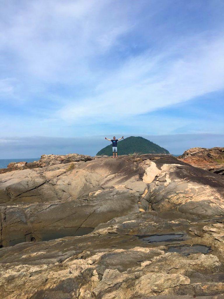 o-que-fazer-em-maresias-litoral-norte-sao-paulo-galhetas-pedras