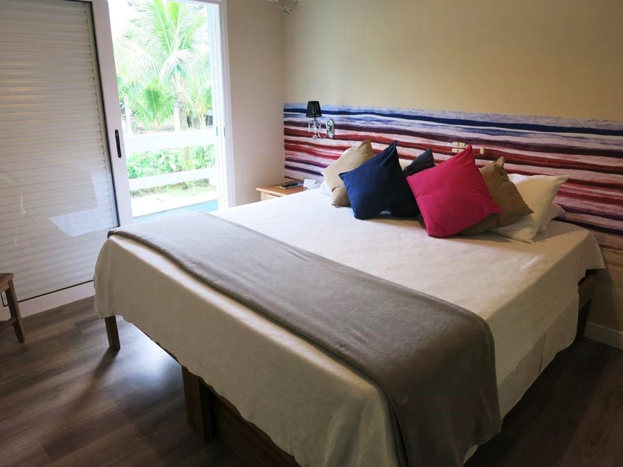 onde-se-hospedar-em-maresias-cama-suite