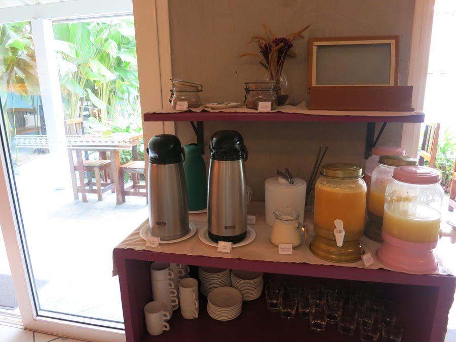onde-se-hospedar-em-maresias-sucos-café