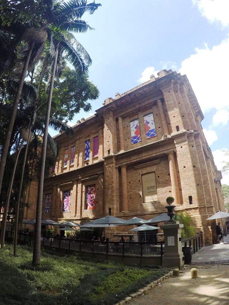 pinacoteca-de-sao-paulo-museu-de-arte-em-sp-arte-brasileira-flor-cafe