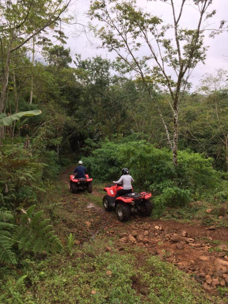 hotel-fazenda-em-santa-catarina-vale-das-pedras-jaragua-do-sul-quadriciclo (2)