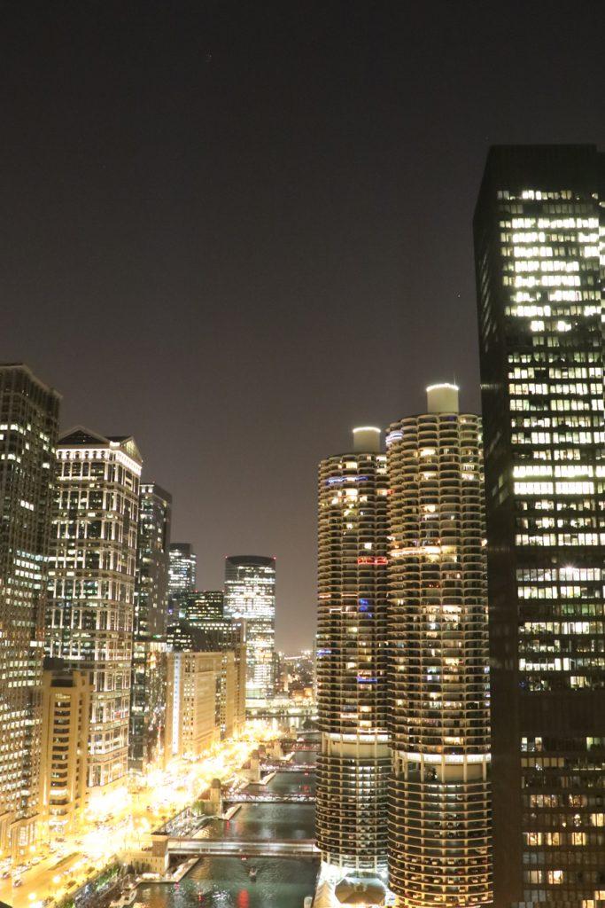 3-rooftops-em-chicago-london-house-chicago-vista-loop