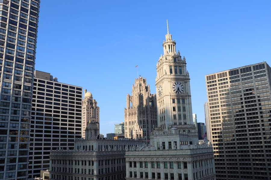 3-rooftops-em-chicago-the-terrace-at-trump-chicago-restaurante-wrigley-building (1)